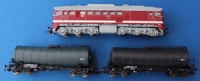 BR128 loco and Tank Wagons